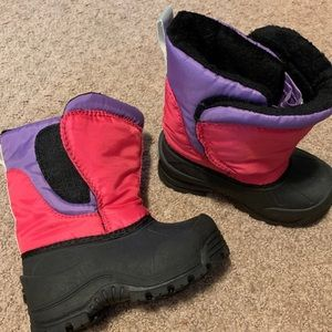NWOT snow boots